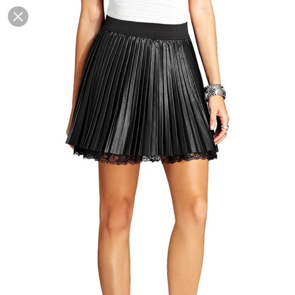 6e188778a36 Guess pleated faux leather skirt with lace. Guess.  M_5c4687b35c445209519785b2. M_5c4687b5baebf6706dea6dcc.  M_5c4687b73e0caa1514cadcc5